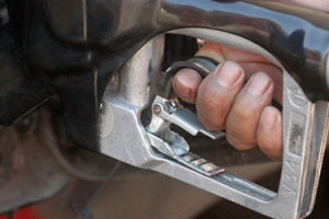 Fuel Prices Lower Again as Commodities Drop