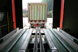 Three-Minute Automatic Truck Loading and Unloading Comes to U.S.