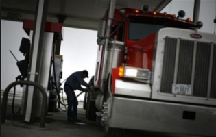 Consumer Group Urges President to Maintain Fuel Economy Standards