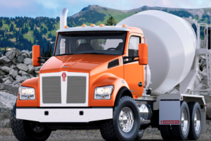 Kenworth Begins Production on T880S, Geared for Construction Market