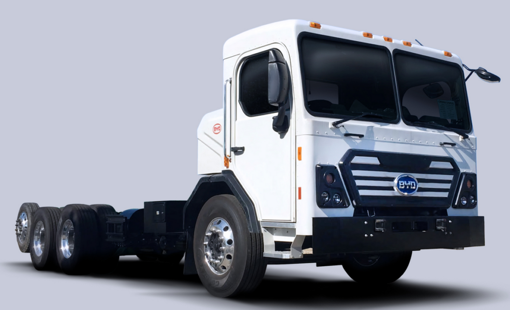 BYD Debuts Class 8 Battery-Electric Refuse Truck