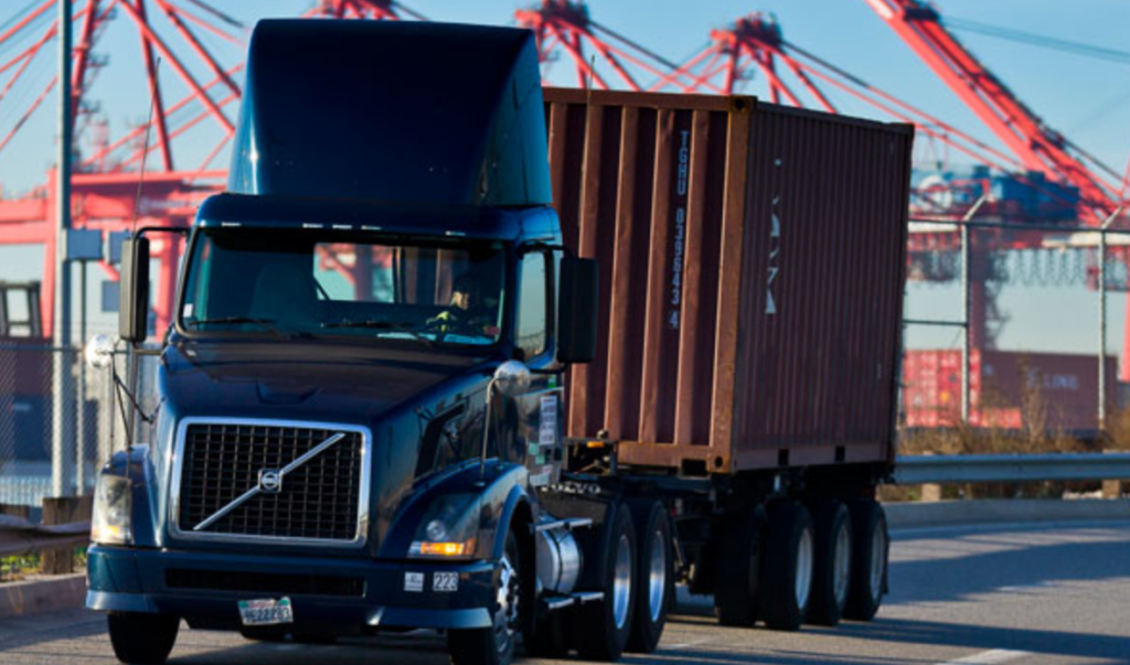 trucks in port