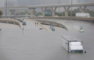 Spot Truckload Capacity Tightens, Rates Rise after Harvey