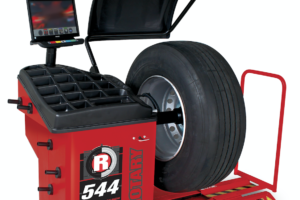 New Pro Truck 2D Wheel Balancer for Trucks, Buses and Passenger Vehicles
