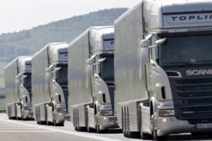 Collaborative Logistics Platforms and Platooning