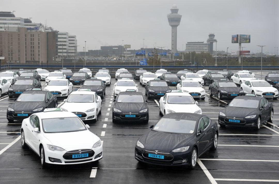 tesla taxi fleet