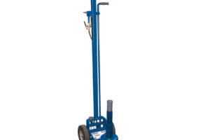 MAHLE Debuts Compact 25-Ton Commercial Vehicle Axle Jack