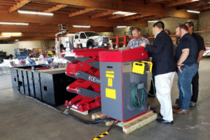 Stertil-Koni Distributor Southwest Lift & Equipment Showcases HD Vehicle Lifting Technology