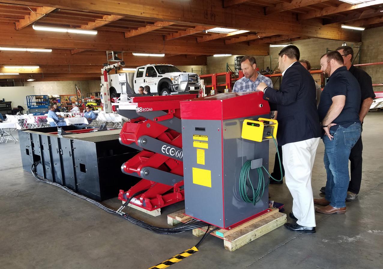 Stertil-Koni Distributor Southwest Lift & Equipment Showcases HD Vehicle Lifting Technology