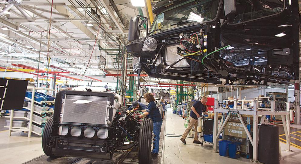 Class 8 truck manufacturing