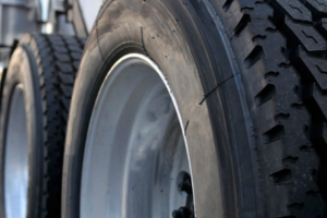 USTMA Urges Drivers to #KnowYourRoll This National Tire Safety Week