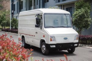 Cenntro Automotive Unveils Class 4 All-Electric Commercial Vehicle